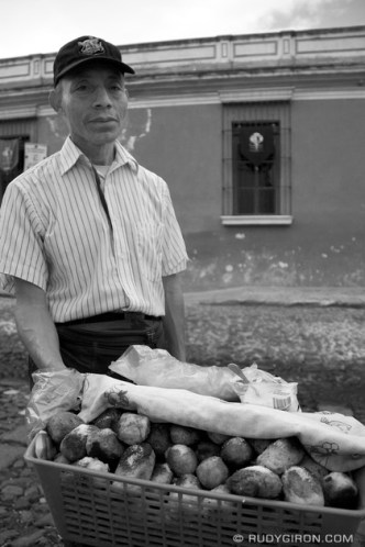 The Rellenitos Street Vendor © Rudy Giron