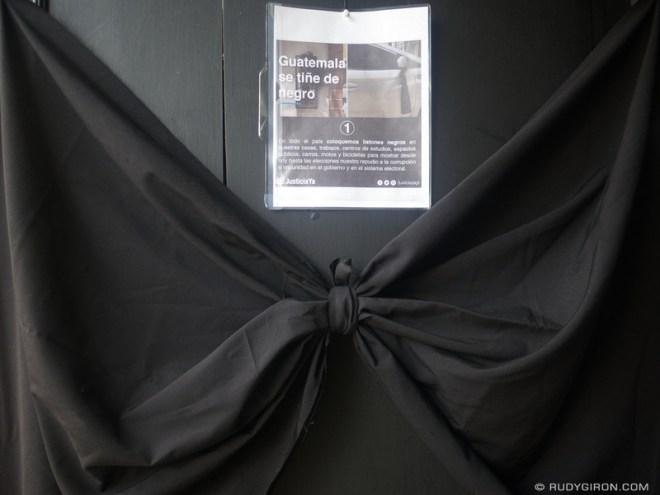 Rudy Giron: Antigua Guatemala &emdash; Guatemala se tiñe de negro