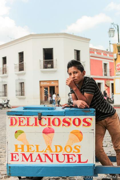 Rudy Giron: Antigua Guatemala &emdash; Delicios Helados Emanuel