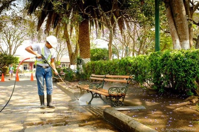 Rudy Giron: Antigua Guatemala &emdash; Cleaning Up Parque Central of Antigua Guatemala