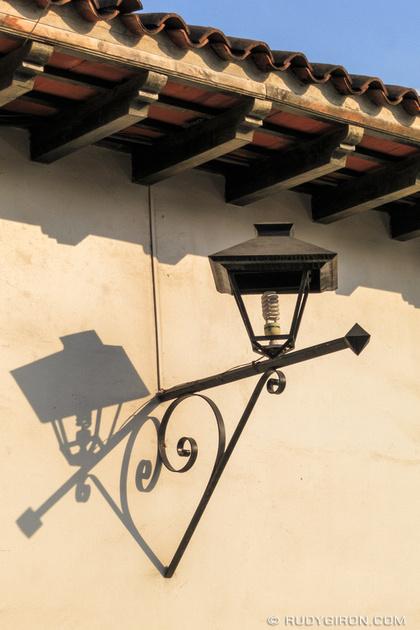 Rudy Giron: Antigua Guatemala &emdash; I heart lamp shadows from Antigua Guatemala