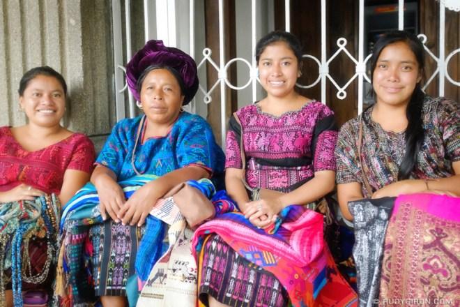 Rudy Giron: Antigua Guatemala &emdash; Street Portraits of Strangers — Maya women