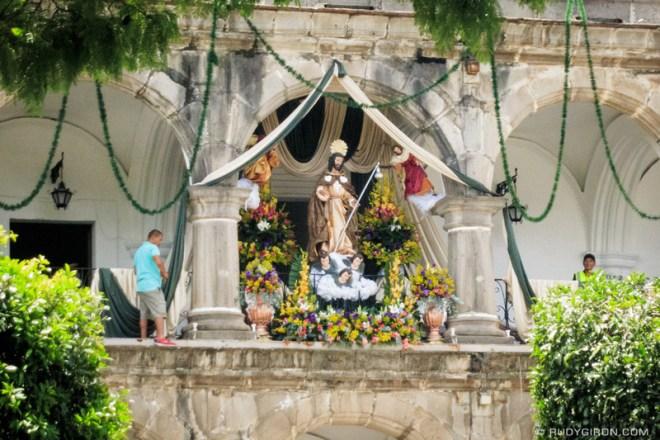 Rudy Giron: Antigua Guatemala &emdash; Santiago Apostol en Ayuntamiento de Antigua Guatemala