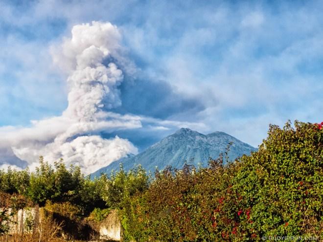 Rudy Giron: Antigua Guatemala &emdash; Volcán de Fuego Eruption on Feb 1st, 2018