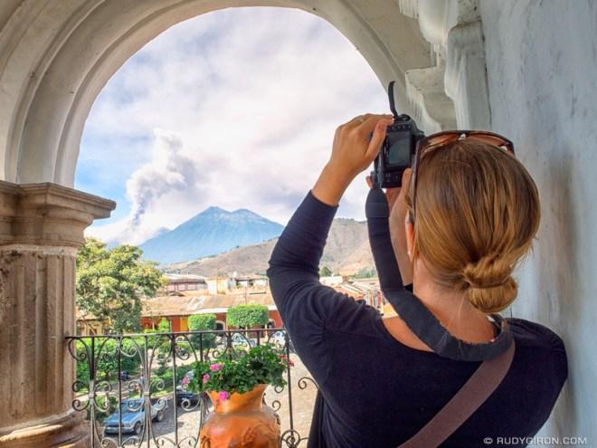Rudy Giron: Antigua Guatemala &emdash; Best spots to photograph the eruption of Volcan Fuego