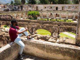 Street Photo Shoots at Charming Locations in Antigua Guatemala with photographer Rudy Giron