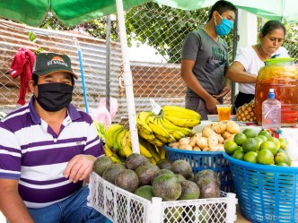 PHOTO STOCK: Pandemic Sights - Farmer's Market Stand