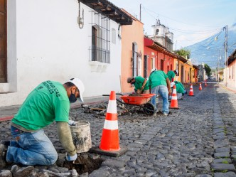 PHOTO STOCK: Public Works Don't Stop During the Pandemic in Antigua Guatemala