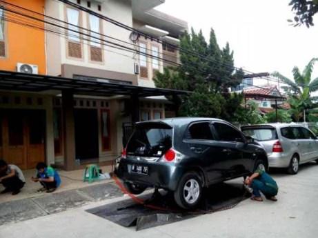 Anti Karat Mobil Di Rumah Pelanggan