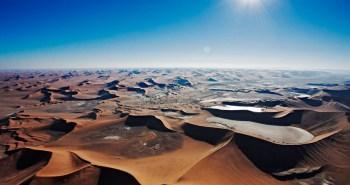 Αμμόλοφοι στο Sossusvlei ,στην έρημο Namib.