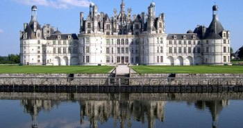 Το Château de Chambord, ένα από τα πιο αναγνωρίσιμα αρχοντικά στον κόσμο, λόγω της πολύ ξεχωριστής γαλλικής αναγεννησιακής αρχιτεκτονικής του.