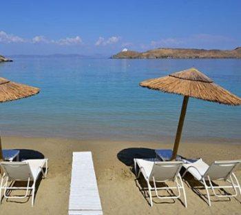 sea-beach-umbrellas