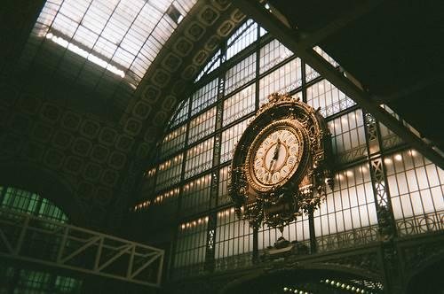 clock-time-vintage