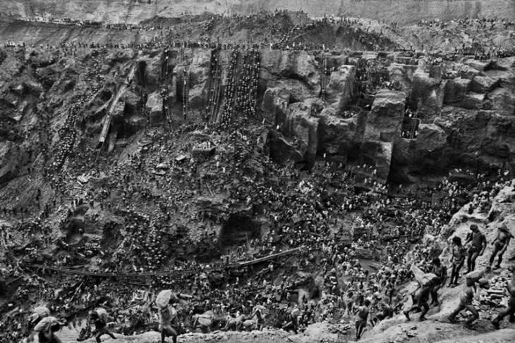 Η Serra Pelada ήταν ένα μεγάλο ορυχείο χρυσού στη Βραζιλία.