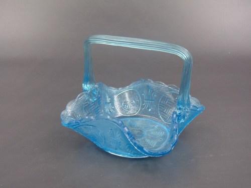Конфетница голубое стекло Мальцов