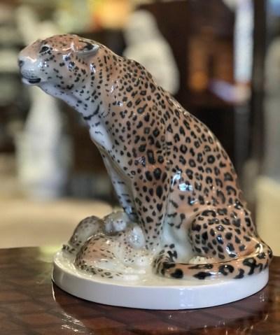 Leopardin mit Jungen