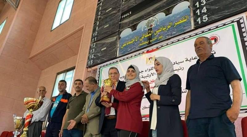 نابلس: شيماء أبو نعمة تنتزع العديد من البطولات في كرة الطاولة