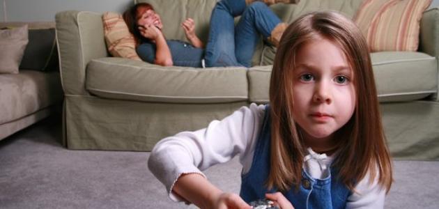 أسوأ الأخطاء التي يقوم بها الآباء لدى تحدثهم مع أطفالهم