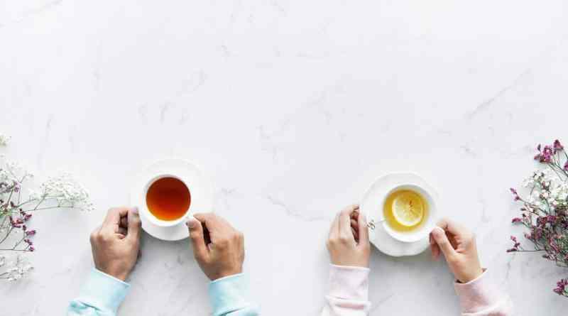 ما الفرق بين الشاي الطبي والعادي؟