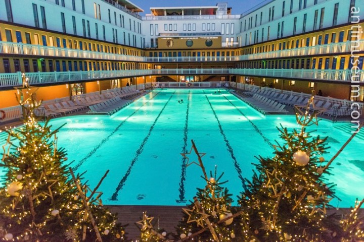 Piscine Molitor - Swimming in Winter
