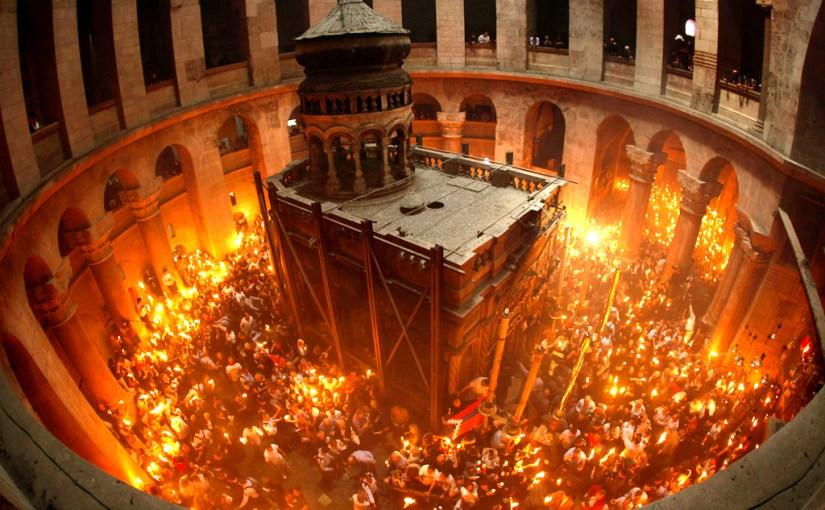 Lumina de la Sfântul Mormânt – două considerații