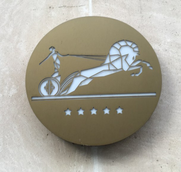 hotel-du-collectioneur-monogram