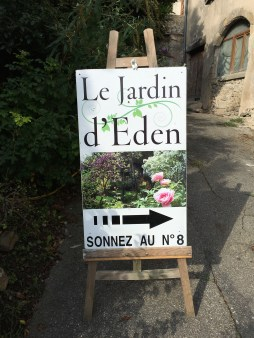 le-jardin-eden-sign