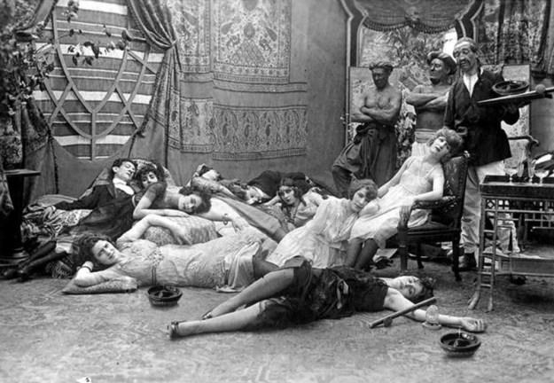 Опиумная вечеринка, 1918 год
