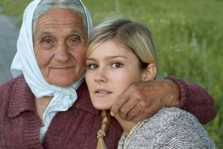 Бабушка за 10 минут смогла разговорить свою замкнутую внучку-подростка! Как?
