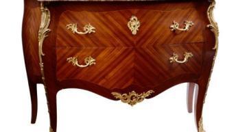 Valutazione acquisto mobili antichi