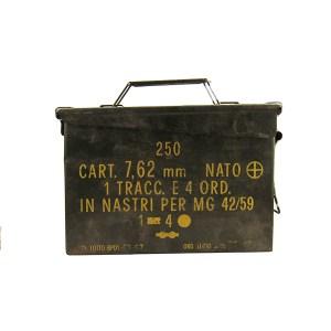 atola in metallo per munizioni 7.62mm vintage vuota