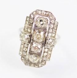The antique art deco diamond ring