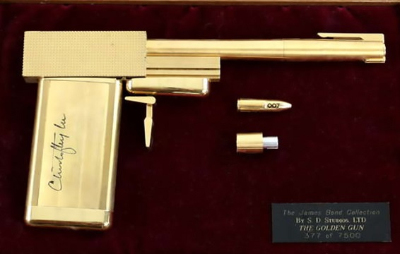 The replica golden gun from James Bond's The Man With the Golden Gun