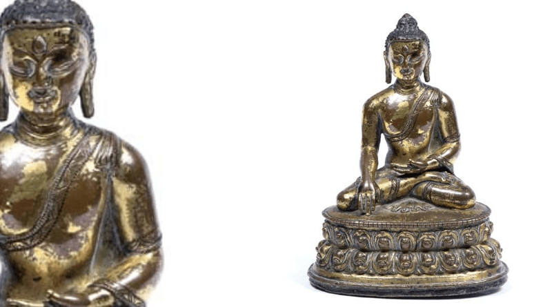 Model gilt bronze Buddha