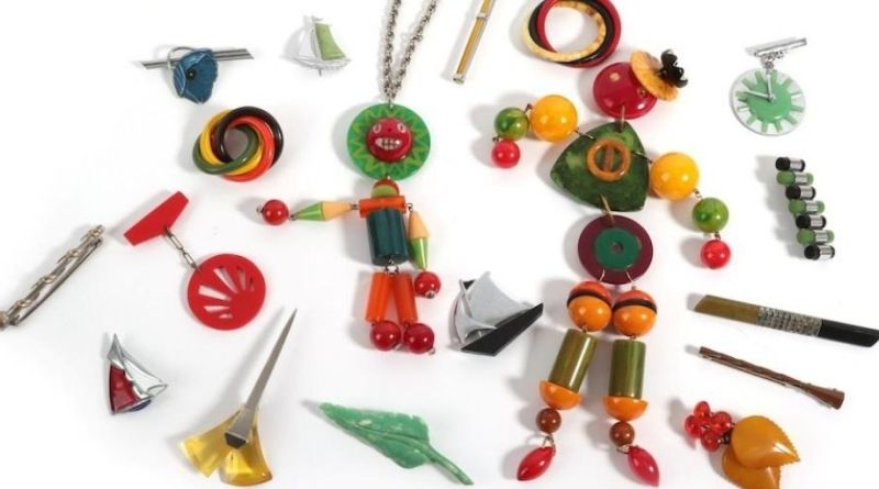 Selection of Bakelite jewellery