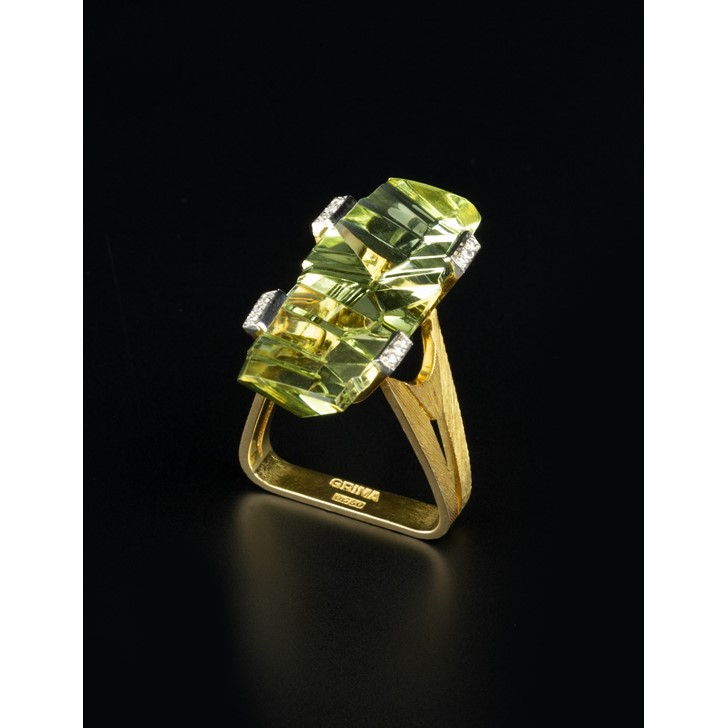 An Andrew Grima ring