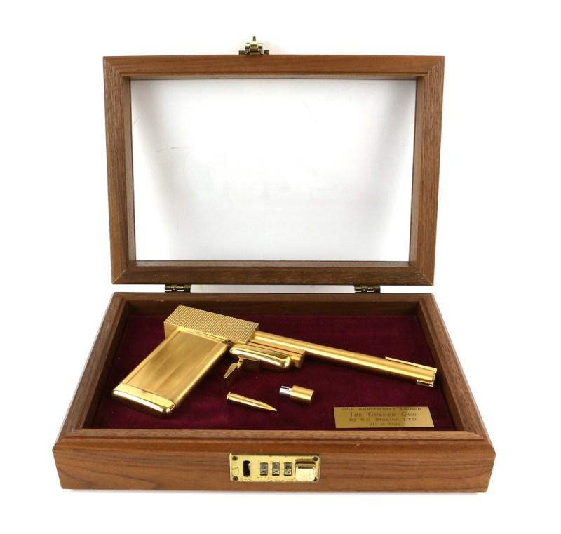 Replica golden gun from James Bond The Man with the Golden Gun