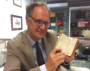Auctioneer Charles Hanson in the new issue of Antique Collecting magazine