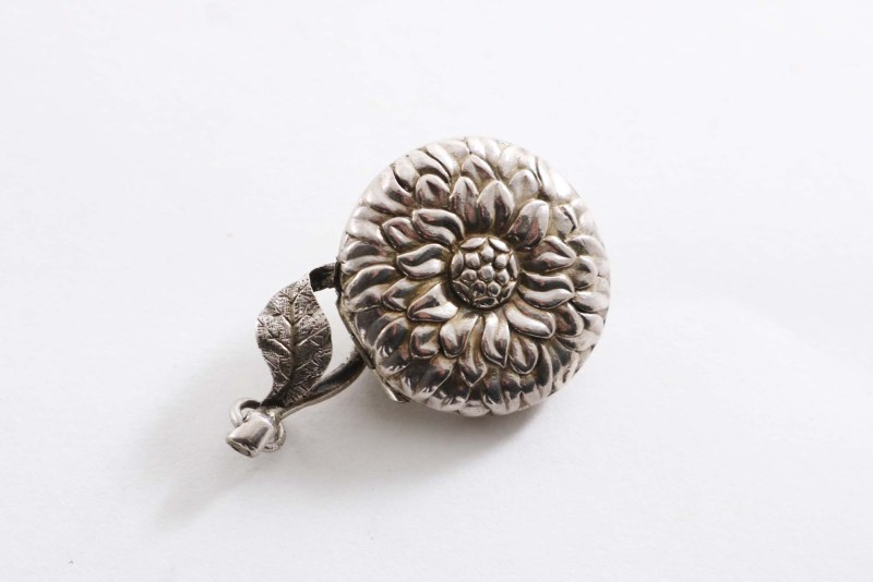 Victorian vinaigrette in the form of a flower