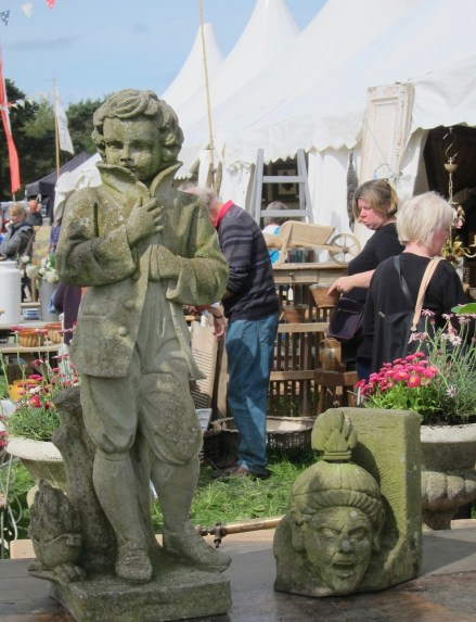 Visitors to Ripley Decorative Home & Salvage Show