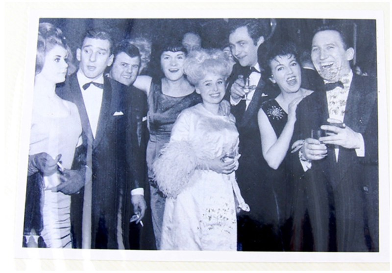 Reggie Kray and his then wife, Frances Shea, far left, with the cast of Sparrows Can't Sing in 1963.