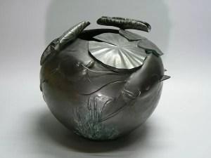 京田政春作 鯰型銅製花器