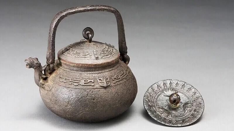 亀文堂鉄瓶