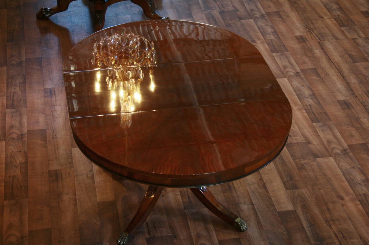 Round Mahogany Dining Table With 1 Leaf And Duncan Phyfe