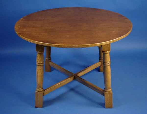 Antique Round Oak Dining Table For Sale