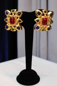 Vintage Chanel From Paris Chanel clip earrings made of gilt metal