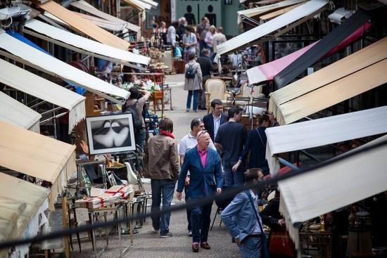 Sourcing Paris Flea Markets for Jewelry Pieces-Market