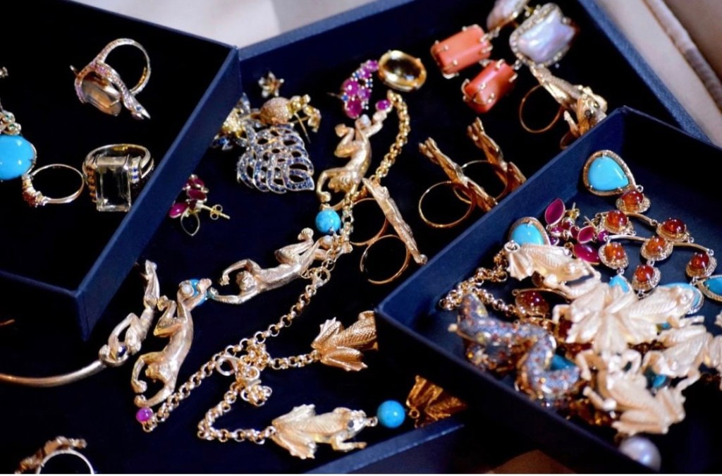 I became obsessed with glamour and jewelry by watching Dallas | Toma Clark Haines | The Antiques Diva & Co