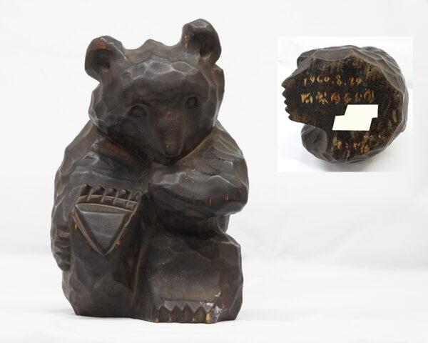 マミヤ作 木彫の熊