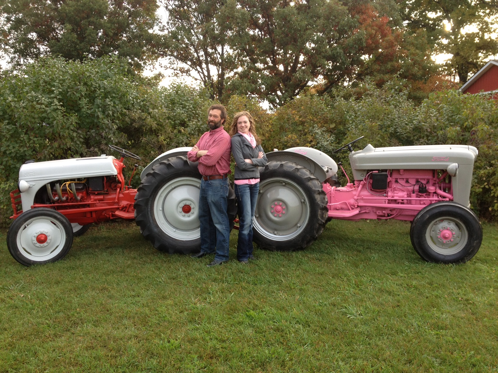 Old Ford Tractors : Father daughter team customizes a pair of classic ford
